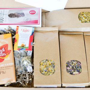 Brievenbuspakketje theebloem, bloementhee en chocolade